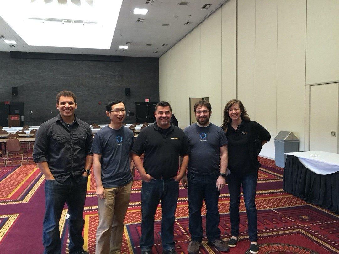 5 Anos Desenvolvendo Para Voz Com O Alexa Skills Kit - Primeiro Alexa Hackathon com a equipe original do ASK e os engenheiros da Alexa